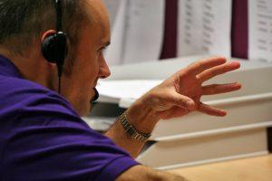 7 Tipps, wie Du auch schwierige Telefongespräche schaffst